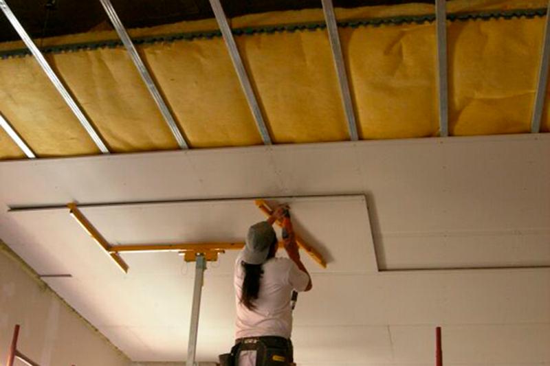 Falso techo con cámara